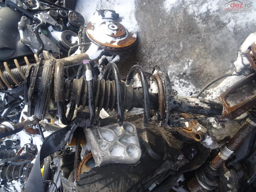 Vand Arc Cu Escop Fata Dreapta Renault Megane 2 1 9 Dci 131cp Euro4 Din 2007 Dezmembrări auto în Sarmasag, Salaj Dezmembrari