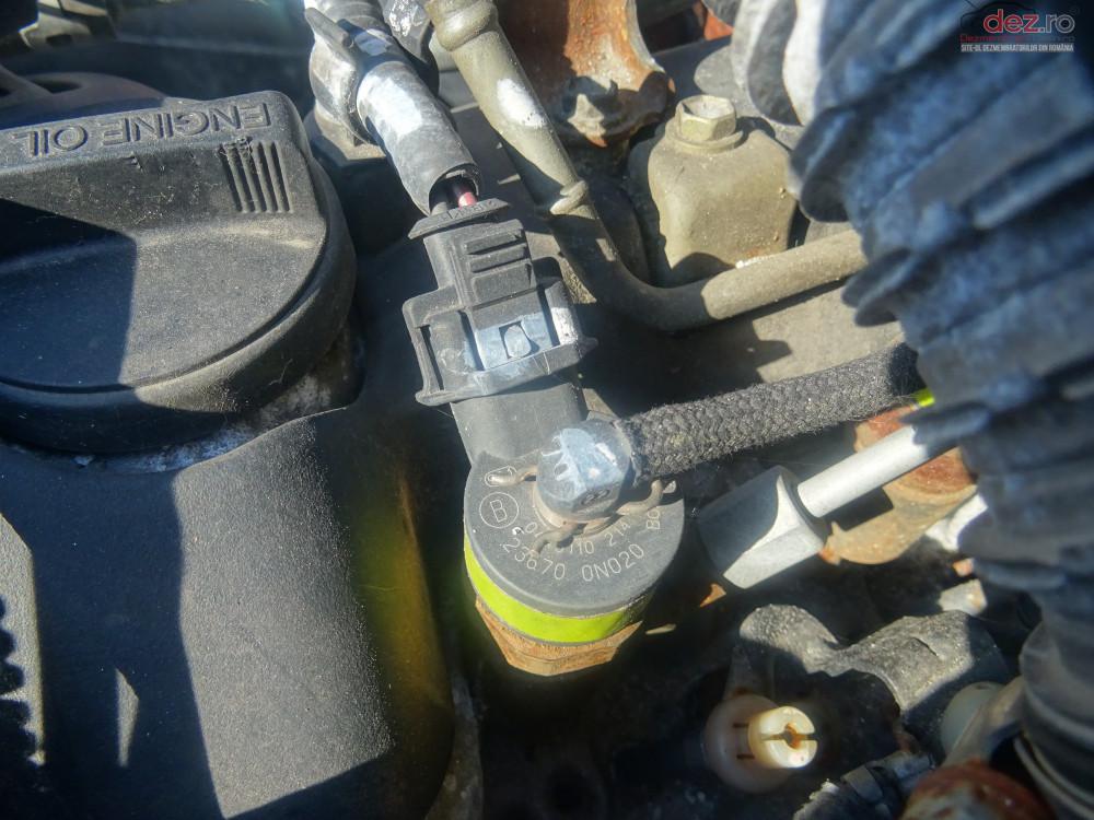 Vand Injectoare Toyota Yaris 1 4 D4d 1nd 75cp Din 2004 Cod 0445110214 cod 0445110214 Piese auto în Sarmasag, Salaj Dezmembrari