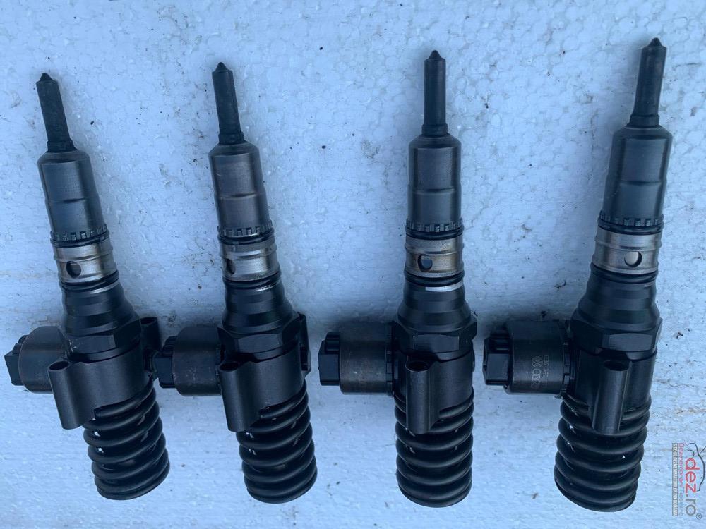 Injectoare Bosch Audi A4 B7 2 0 Tdi Cod 03g130073 cod 03g130073 Piese auto în Malu Mare, Dolj Dezmembrari