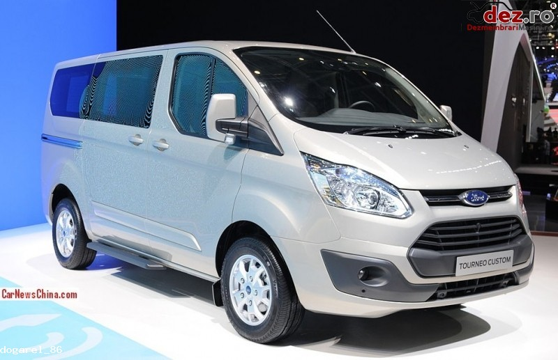 Dezmembrez Ford Transit Custom Persoane 40 000 Km Dezmembrări auto în Tirgu Mures, Mures Dezmembrari
