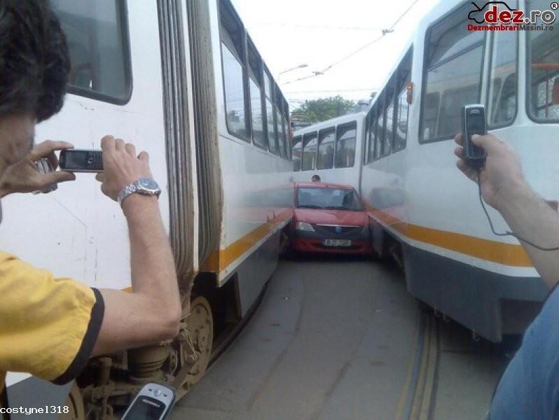 Cumpar logan avariat cu plata pe loc cumpar dacia logan avariat  lovit  dauna Mașini avariate în Bucuresti, Bucuresti Dezmembrari