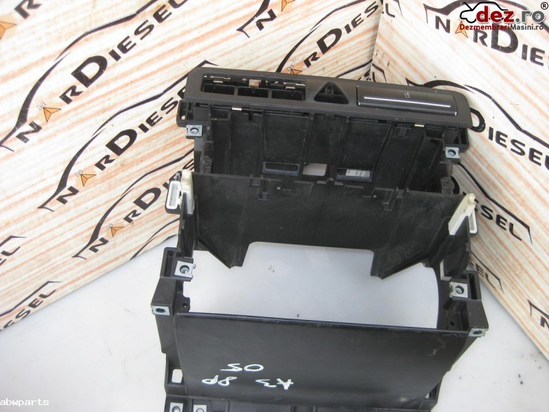 Consola bord Audi A3 8P hatchback 2004 cod 8P0858005B