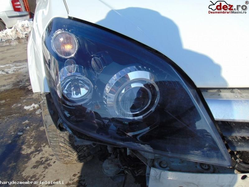 Far Opel Astra H 2005