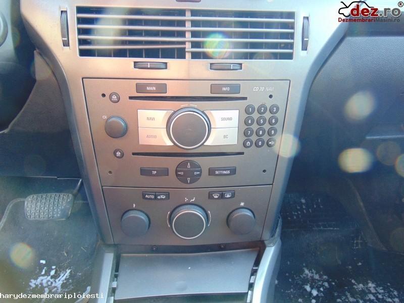 Sistem audio Opel Astra H 2005