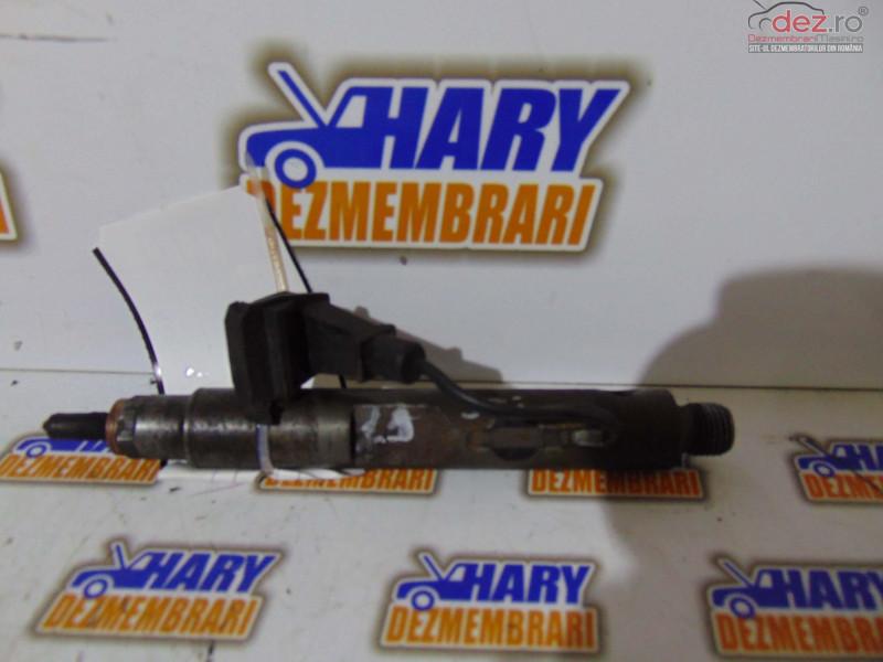Injector Pentru Renault Espace 3 Cod Original 432193754 1 9dti Piese auto în Bucov, Prahova Dezmembrari