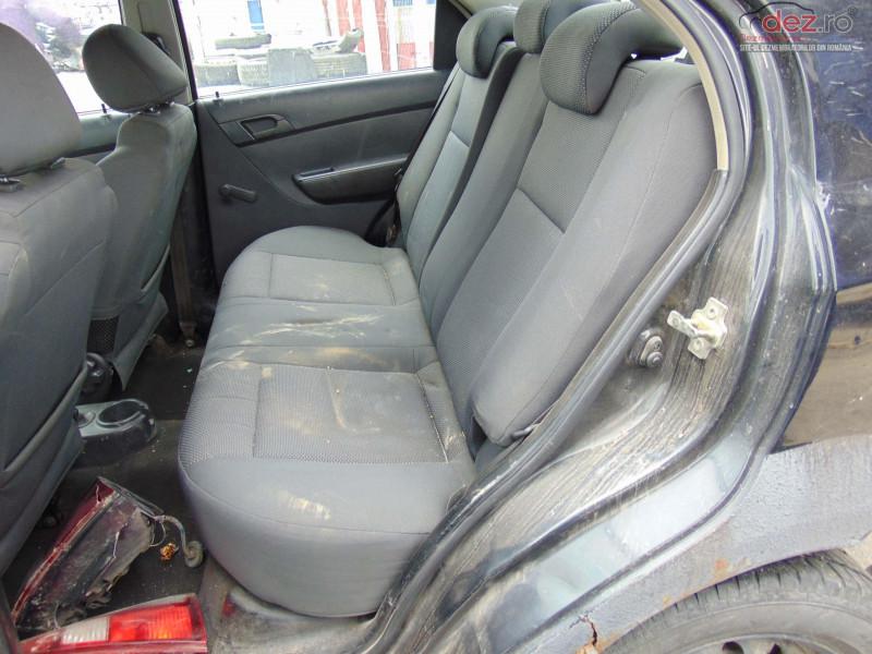 Dezmembram Chevrolet Aveo 1 2i Tip Motor B12s1 Fabricatie 2003 Dezmembrări auto în Bucov, Prahova Dezmembrari