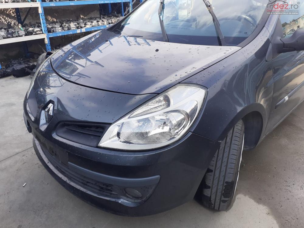 Dezmembrez Renault Clio 3 Din 2005 Motor 1 2 Benzina 16v