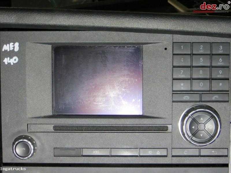 Casetofon cu display Mercedes Actros A0004467662 Dezmembrări camioane în Floresti, Cluj Dezmembrari