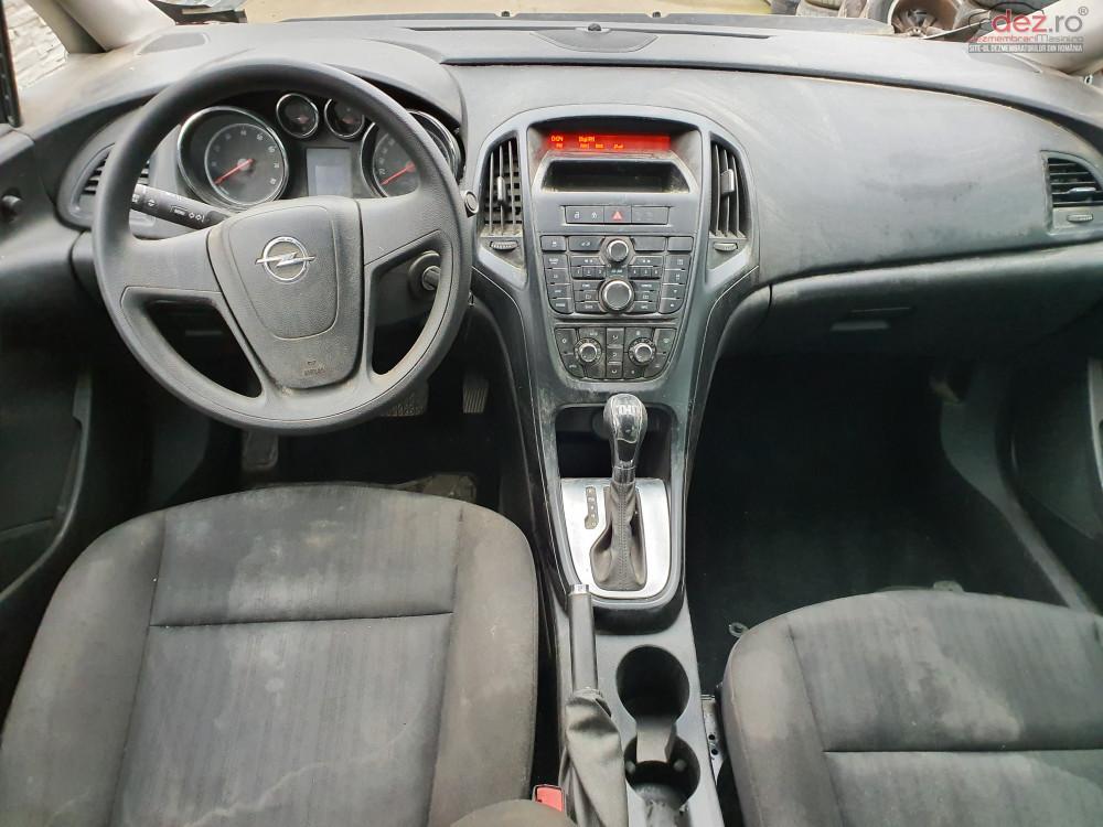 Plansa Bord Opel Astra J Piese auto în Timisoara, Timis Dezmembrari