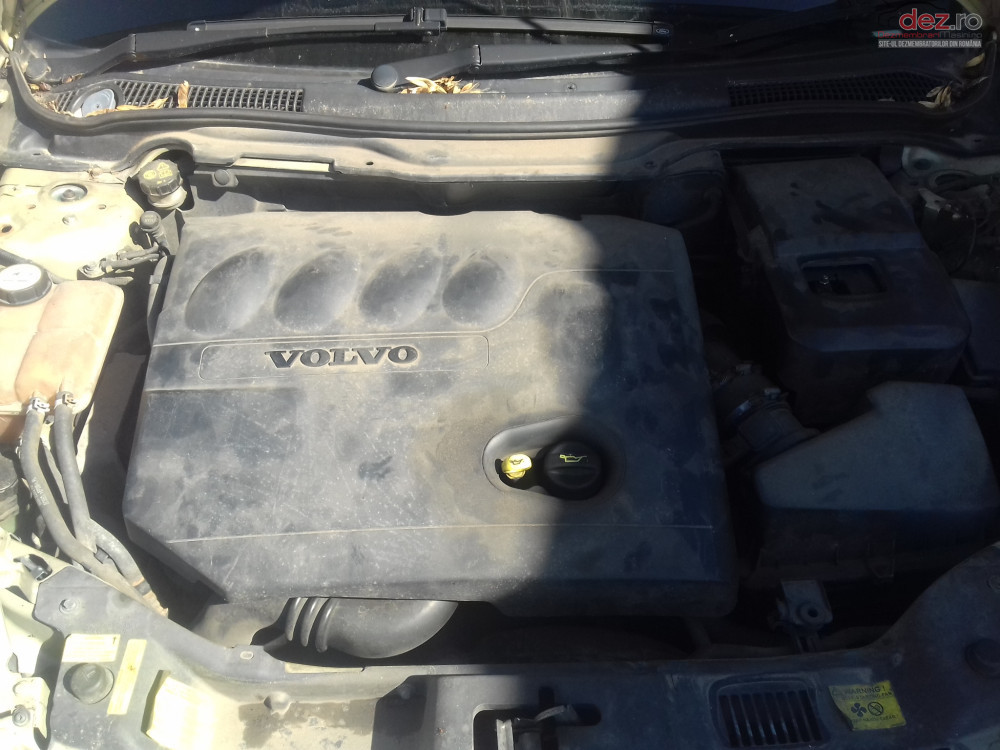 Injector 2 0 D Volvo V50 Cod 9647247280 Piese auto în Timisoara, Timis Dezmembrari