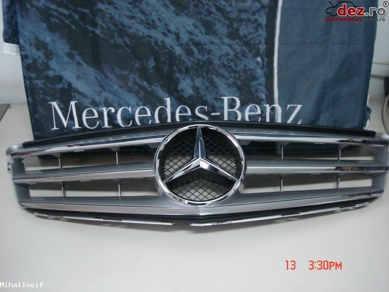 Grila radiator Mercedes C 320 W204 2005 cod A2048800023 Piese auto în Bucuresti, Bucuresti Dezmembrari