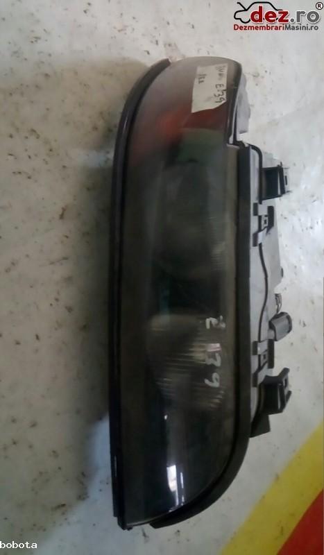 Far BMW 520 2002