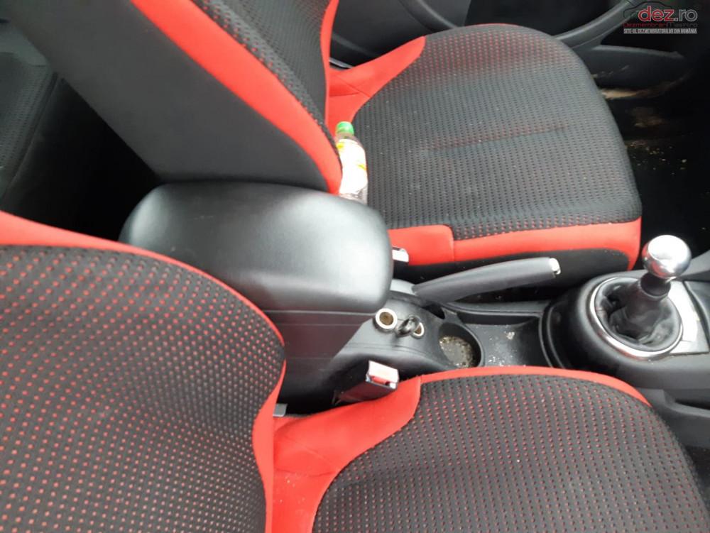 Dezmembrez Citroen C4 Coupe Facelift 1 6 Hdi 9hy 110 Cai
