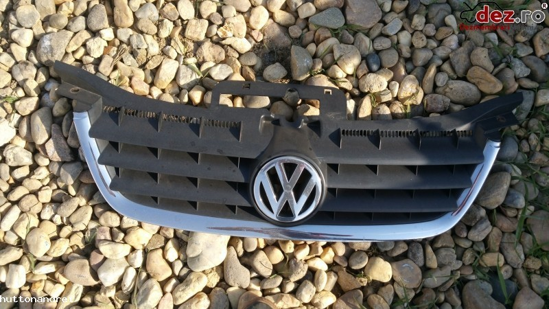 Grila radiator Volkswagen Touran 2007 Piese auto în Satu Mare, Satu-Mare Dezmembrari