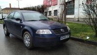 Vand Volkswagen Passat B5 din 2001, avariat in fata Mașini avariate în Deva, Hunedoara Dezmembrari