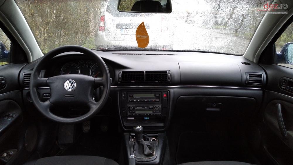 Vand Volkswagen Passat B5 din 2001, avariat in fata
