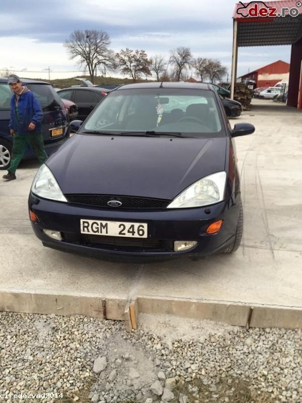 Dezmembrez Ford Focus An Fabricatie 2001  Dezmembrări auto în Petrosani, Hunedoara Dezmembrari