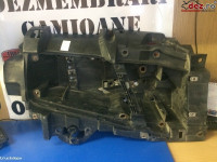 Suport far stanga (cu spalator) Volvo FH13. Dezmembrări camioane în Cristesti, Mures Dezmembrari