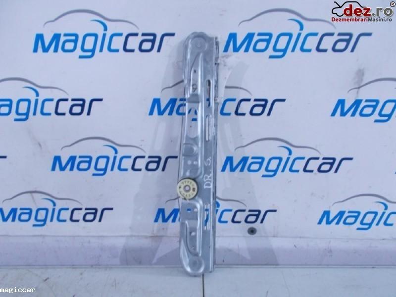 Macara usa Opel Signum 2006
