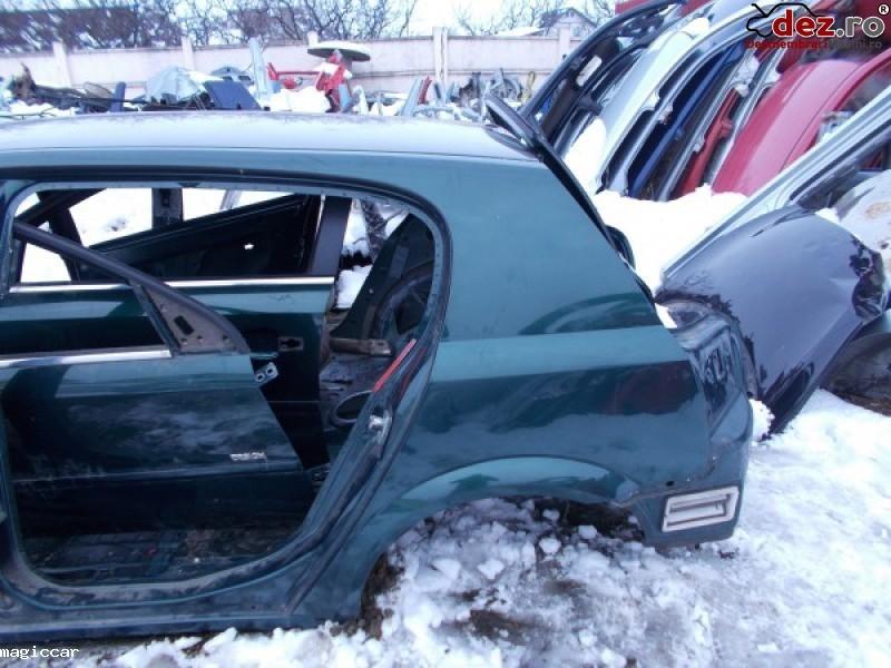 Aripa spate Opel Signum 2006
