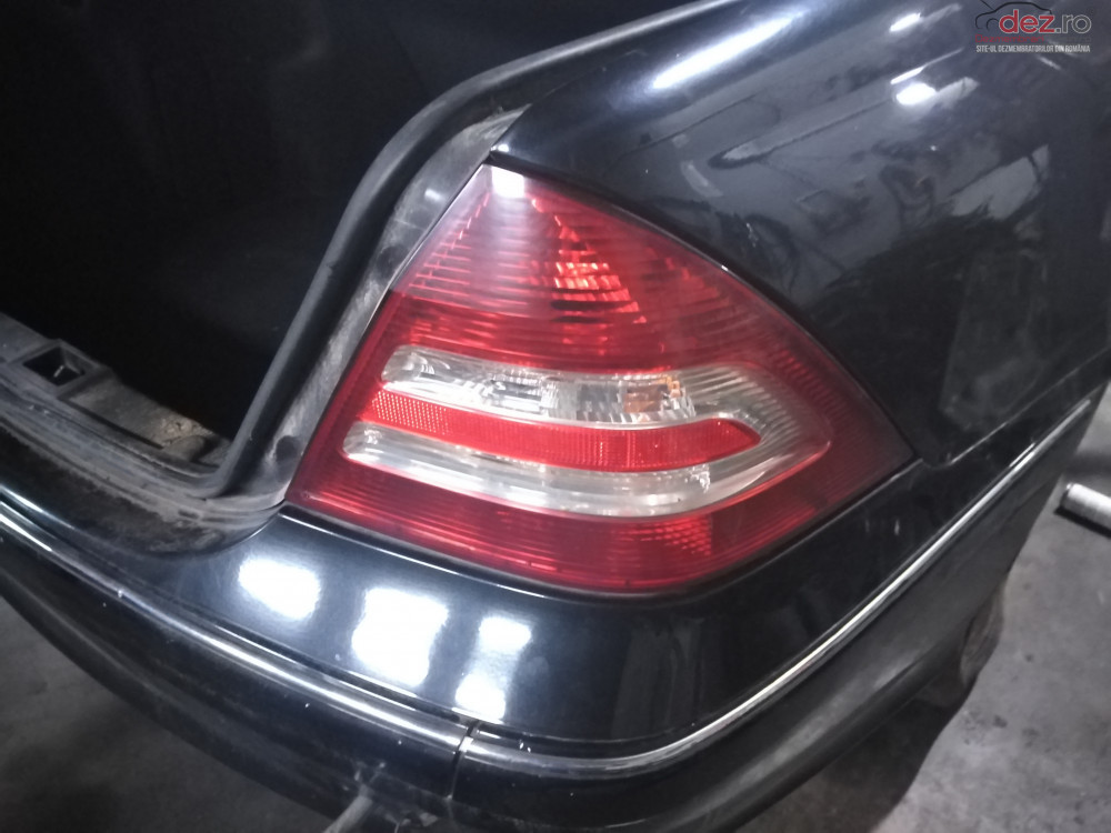 Stop / Lampa Spate / Stanga / Dreapta Mercedes C Class W203 Sedan cod oem Piese auto în Suceava, Suceava Dezmembrari