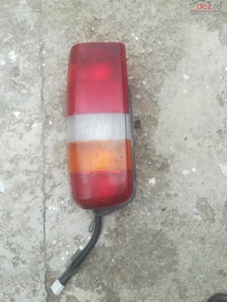 Lampa Stop Dreapta Fisurat Jeep Cherokee  Cod  Cc55155610ac  97    01    Piese auto în Corbeanca, Ilfov Dezmembrari
