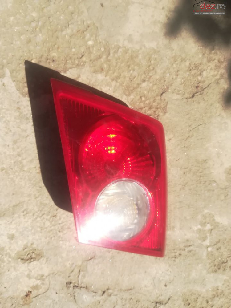 Lampa Stop Dreapta Pe Hayon Chevrolet Lacetti Hatchback   Ani 04    09  Piese auto în Corbeanca, Ilfov Dezmembrari