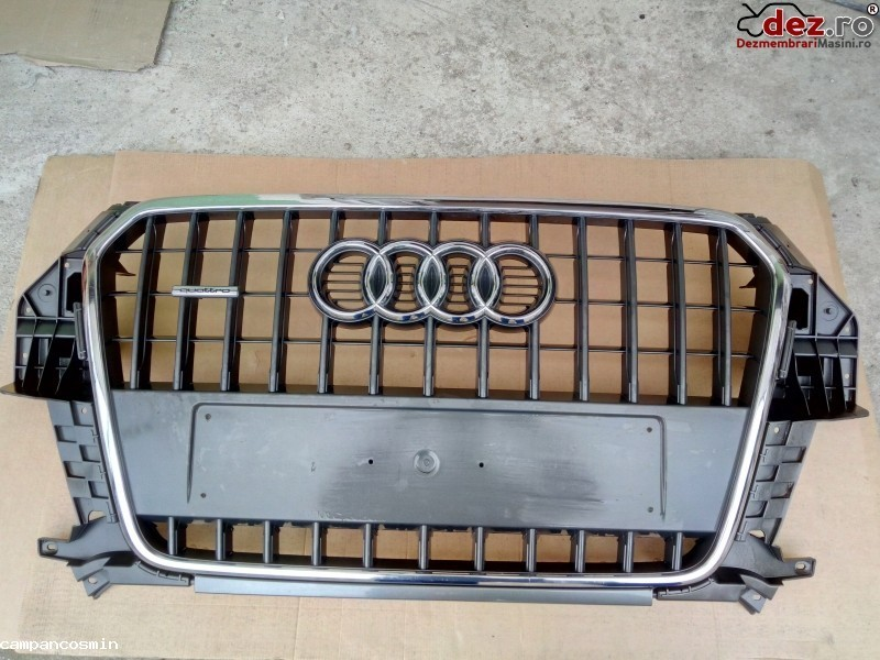 Grila radiator Audi Q3 2014