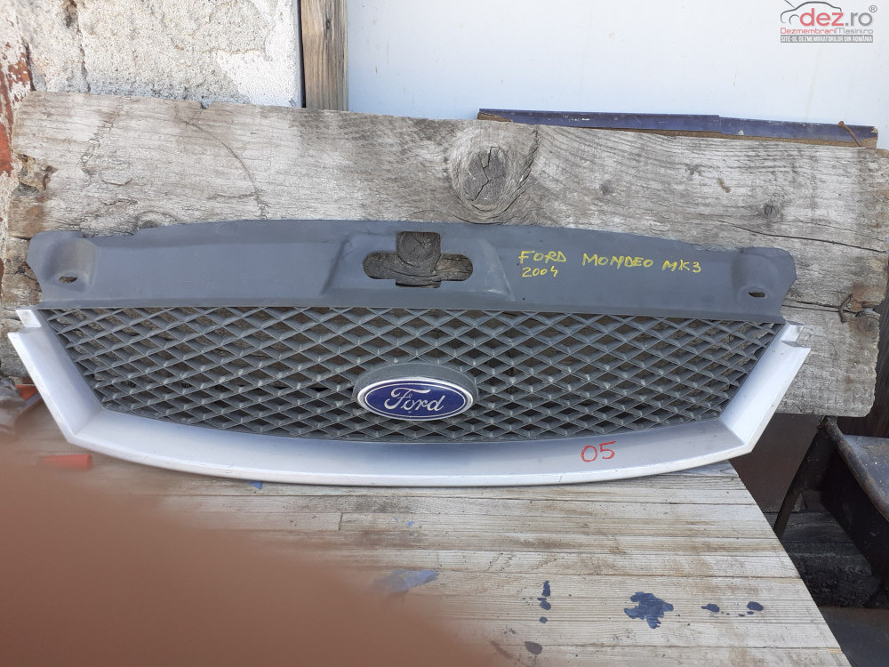 Vand Grila Fata Ford Mondeo Mk3 Din 2004 Cod 1s71  8b271  A  Piese auto în Craiova, Dolj Dezmembrari