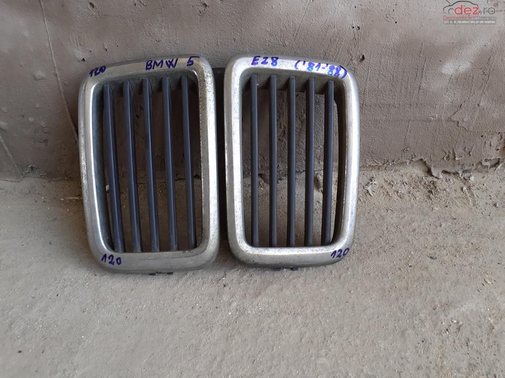 Vand Grila RadiatorBmw Seria 5 E28 Din 1981  1988  Cod 511131873253  Piese auto în Craiova, Dolj Dezmembrari