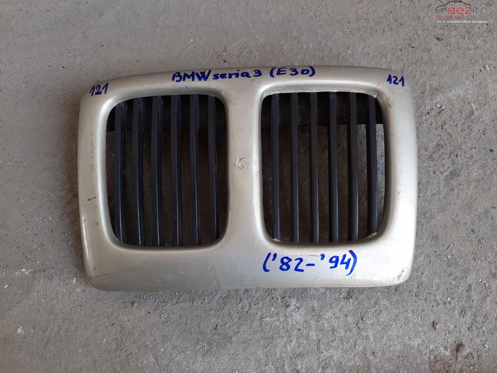 Vand Grila RadiatorBmw Seria 3 E30 Din 1982  1994  cod 51131884350 Piese auto în Craiova, Dolj Dezmembrari