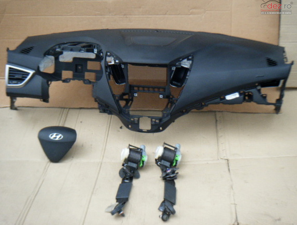 Kit Plansa Bord Hyundai Veloster Piese auto în Zalau, Salaj Dezmembrari