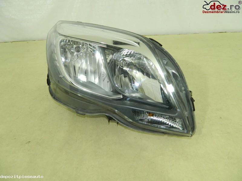 Far dreapta halogen Mercedes GLK X204 facelift, A2048201039 Dezmembrări auto în Bucuresti, Bucuresti Dezmembrari