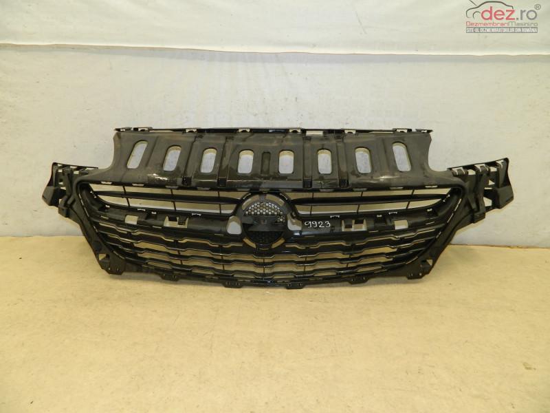 Grila Radiator Opel Corsa E 14 18 13399243 în Bucuresti, Bucuresti Dezmembrari