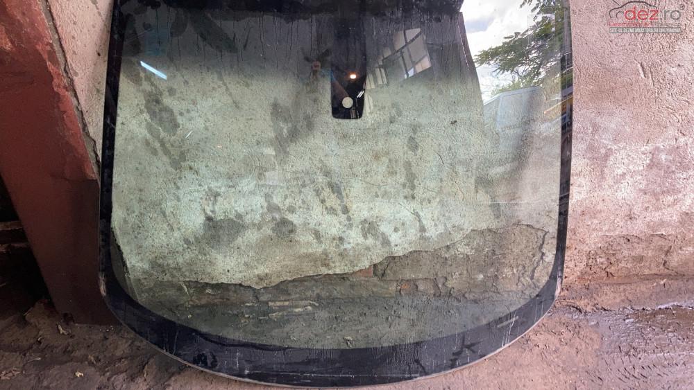 Parbriz Bmw I3 Cu Senzor Lumina și Ploaie Piese auto în Bucuresti, Bucuresti Dezmembrari