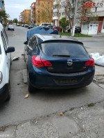 Vand Opel Astra J 2009 Avariat In Partea Din Fata Mașini avariate în Campia Turzii, Cluj Dezmembrari