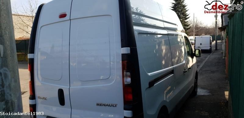 Vând Sau Dezmembrez Renault Trafic 3 Din 2018 Avariat Bara Fata