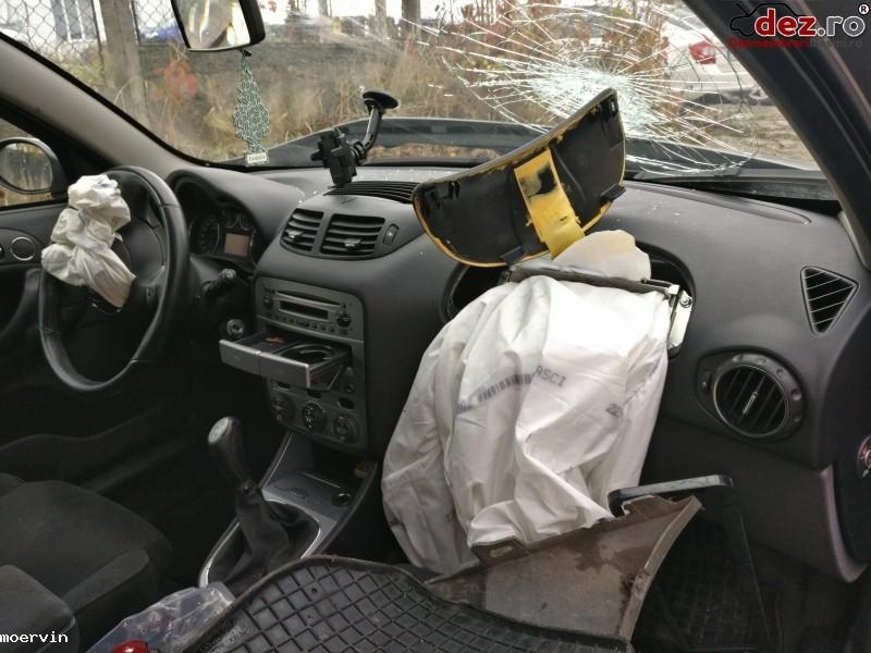 Vand Urgent Alfa Romeo 147   2006   Accidentat  Mașini avariate în Cluj-Napoca, Cluj Dezmembrari