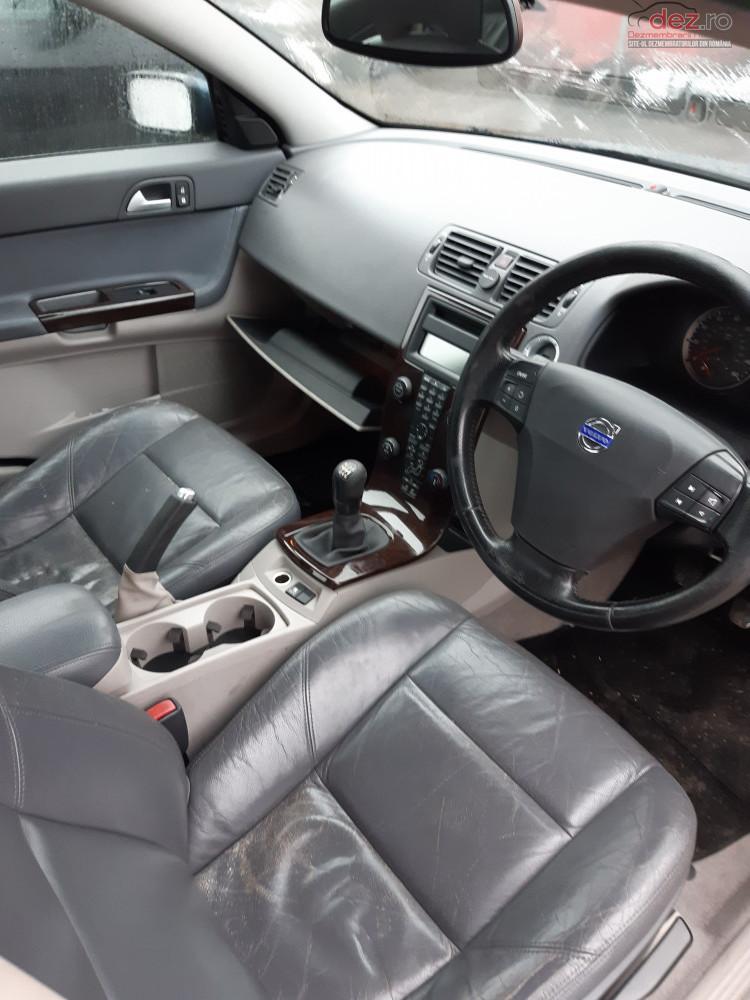 Dezmembram Volvo S40 Berlina An 2005 Motor 2 0d 100kw Cod D4204t Dezmembrări auto în Brasov, Brasov Dezmembrari