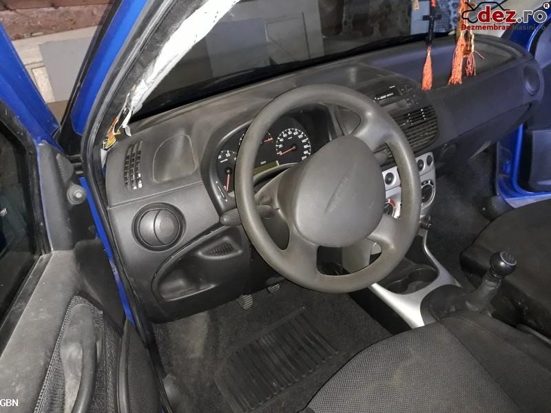 Vand Fiat Punto 2001 Avariat In Spate  Motor Foarte Bun