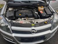 Dezmembrez Opel Astra H 1 7 Cdti 74 Kw Z17dth Euro 4 Suspensie Ids+ în Arad, Arad Dezmembrari