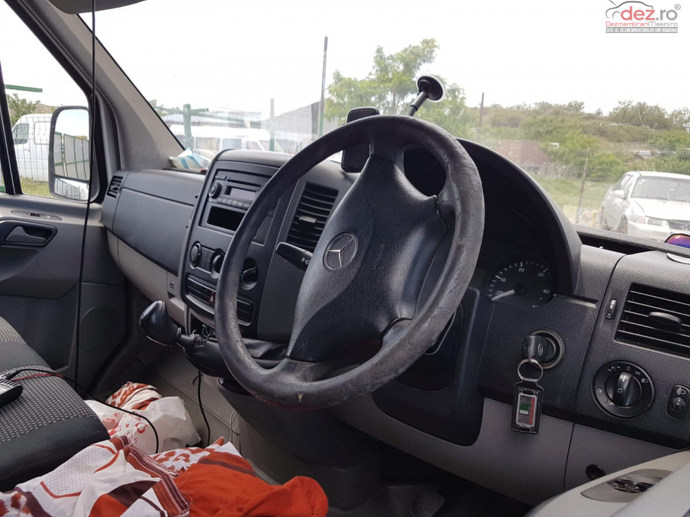 Dezmembrez Mercedes Sprinter 2 2cdi 2008  Dezmembrări auto în Slobozia, Ialomita Dezmembrari