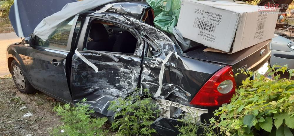 Vand Ford Focus II facelift din 2008, avariat in lateral(e), totalitate Mașini avariate în Bucuresti Sector 6, Ilfov Dezmembrari