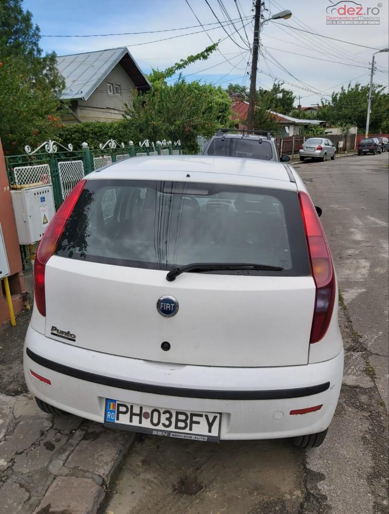 Vand Fiat Punto mk3 din 2006, avariat in fata Mașini avariate în Ploiesti, Prahova Dezmembrari