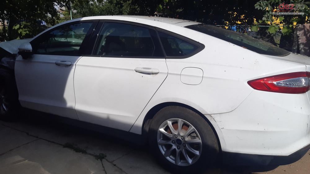 Vand Ford Mondeo din 2015, avariat in fata Mașini avariate în Ploiesti, Prahova Dezmembrari