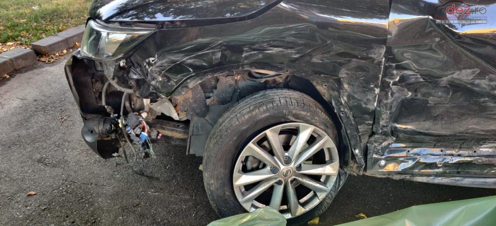 Vand Nissan Qashqai Mk2 din 2014, avariat in lateral(e)