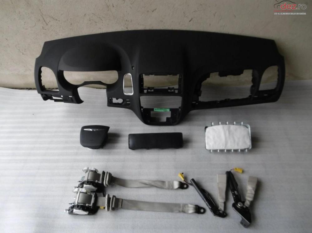 Kit Plansa Bord Airbag Chrysler Town Country 2015 Piese auto în Zalau, Salaj Dezmembrari