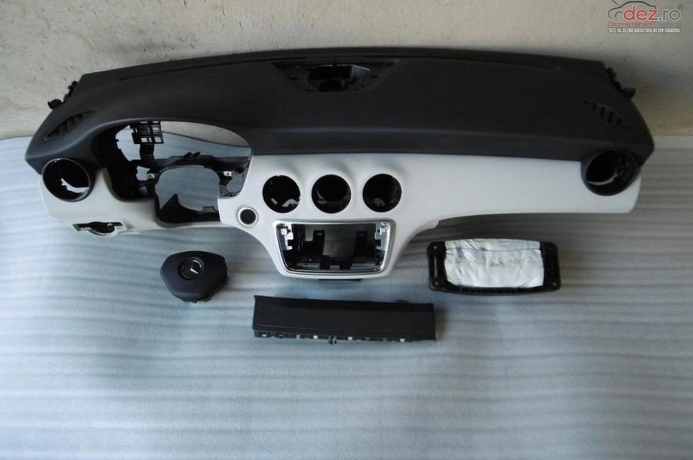 Kit Plansa Bord Airbag Mercedes A Class W176 2014 Piese auto în Zalau, Salaj Dezmembrari