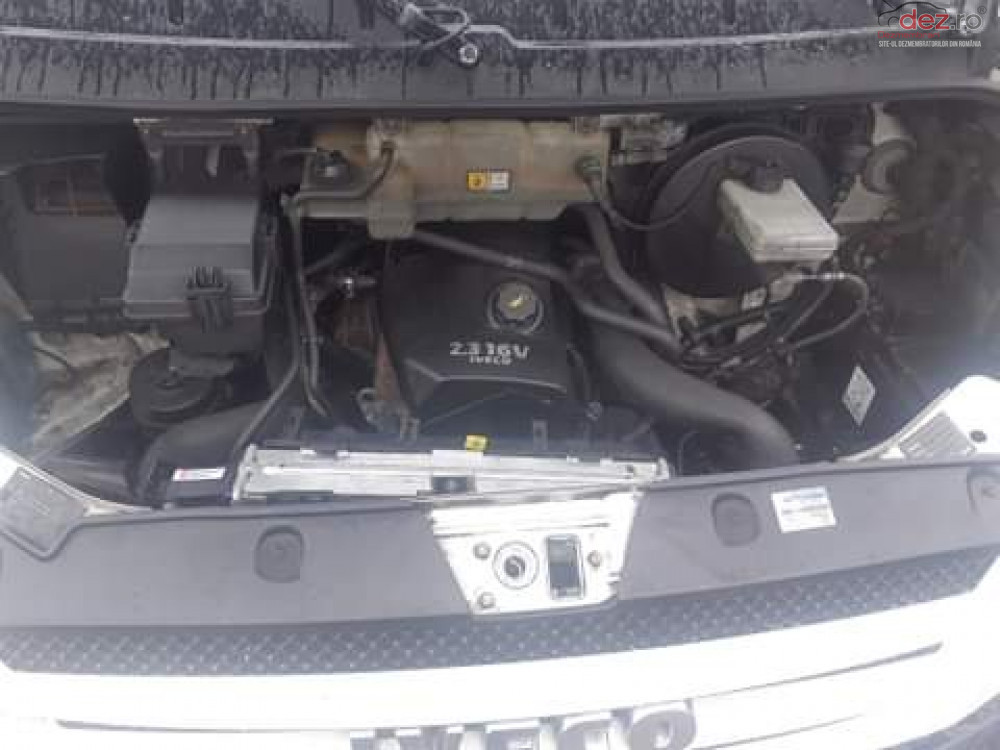 Vand Iveco Daily din 2010, avariat in fata
