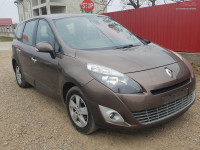 Dezmembrez Renault Grand Scenic 1.5 dci euro 4 monovolum din 2010 Dezmembrări auto în Roman, Neamt Dezmembrari